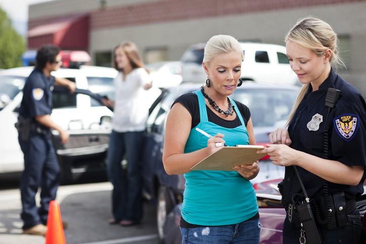 Rédaction du constat lors d'un accident de la route avec un tiers
